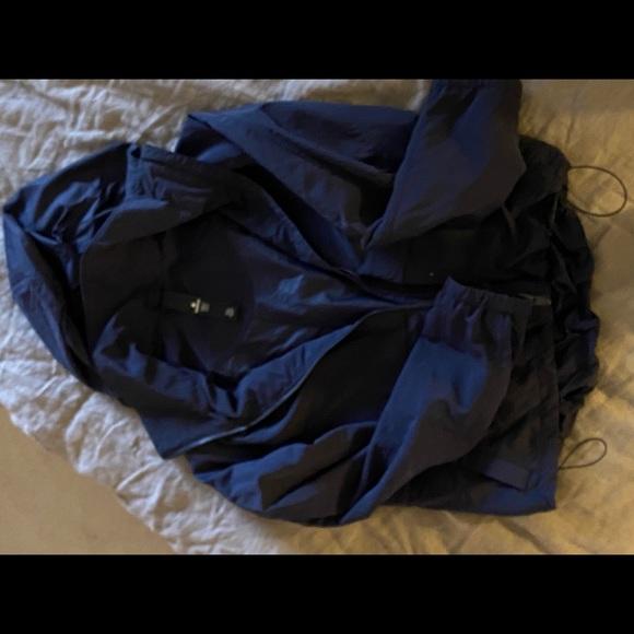 Lulu lemon Cropped waterproof jacket